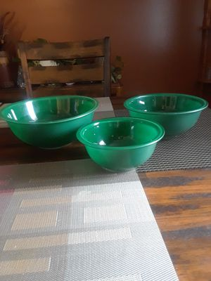 Set of 3 Green Pyrex Bowls Clear Glass bottoms for Sale in Clinton Township, MI