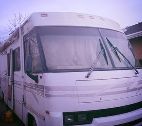 2001 ITASCA SUNRISE LOW MILES RUNS LIKE A CHAMP!!! PRICED TO SELL AND NEGOTIABLE NEED GONE ASAP MOVING AND CANNOT TAKE WITH!!! for Sale in Modesto,  CA