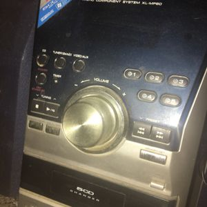 Sharp 5 CD Changer, MP3 Stereo for Sale in Webster, TX