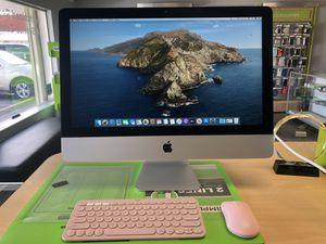 """Apple iMAC 2017 21.5"""" w/ Logitech wireless keyboard & mouse for Sale in Palm Springs, FL"""