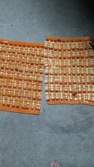 Two woven placemats for Sale in Freeland, PA