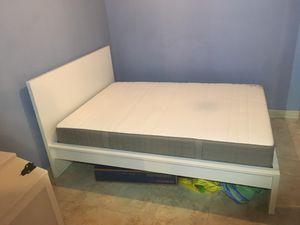 White malm queen bed for Sale in Fairfax, VA