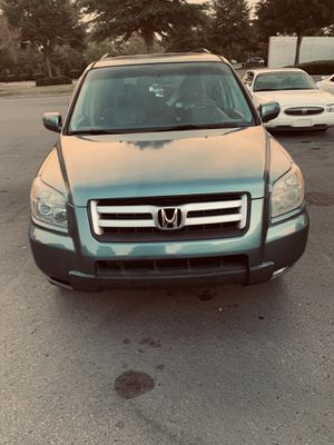 If you are looking a good reliable SUV or a family car this Honda Pilot is yours . Honda Pilot 2006 126800 miles Leader sit Sunroof Good system so for Sale in Murfreesboro, TN