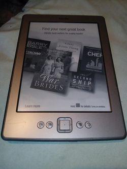 Kindle fire 4th gen ereader for Sale in Phoenix,  AZ