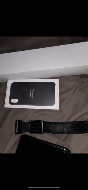 Apple MacBook Air 2020 Apple Watch Series 5 IPhone XS 64 gig Grey for Sale in Taylor, MI