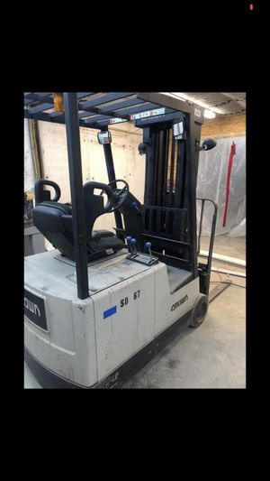 2014 Crown Electric Forklift Crown SC series for Sale in New York, NY
