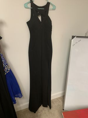 Size medium black gown for Sale in Fredericksburg, VA