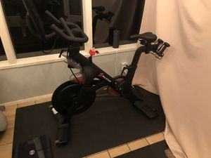 Peloton bike 3 month old!!! for Sale in Issaquah, WA