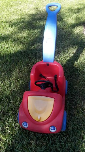 Step 2 push car with seat belts and storage. Sanitized. PRICE REDUCED for Sale in BELLEAIR BLF, FL