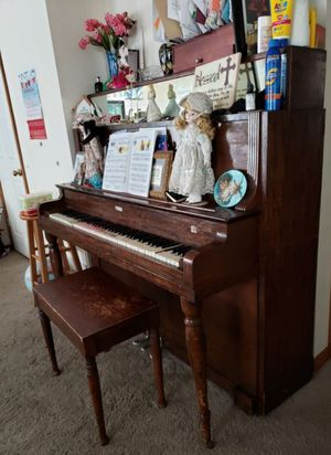 Antic Real wood piano needs tune up for Sale in Columbia, MO