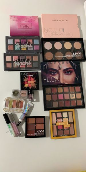 Make up for Sale in Bellwood, IL