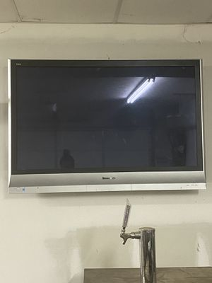 """50""""-55"""" Panasonic Flat Screen for Sale in White House, TN"""