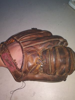 Rawlings baseball glove for Sale in Ceres, CA