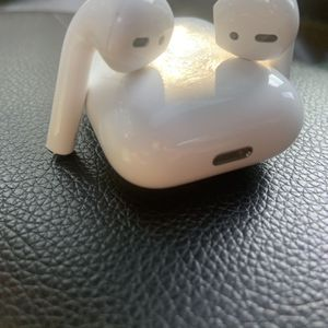 Apple AirPod (Latest Model) for Sale in San Diego, CA