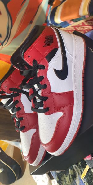 Jordan 1 Mid Chicago 2020 for Sale in Denver, CO