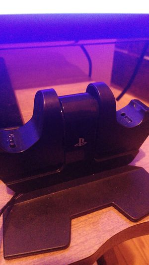PlayStation 4 Station Charger for Sale in Chicago, IL