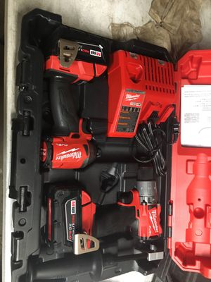 Milwaukee M18 FUEL 18-Volt Lithium-Ion Brushless Cordless Hammer Drill and Impact Driver Combo Kit (2-Tool) with Two 5Ah Batteries for Sale in Fontana, CA