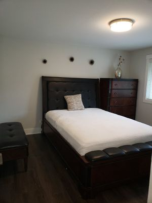 Ashley furniture Queen bedroom set, bed, bench and 5 drawer dresser in new condition for Sale in Renton, WA