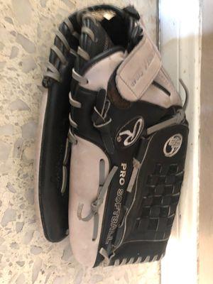 Rawlings silverback softball glove for Sale in Orange, CA