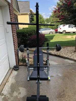 Bench + bar + 75lbs weight for Sale in Mableton, GA