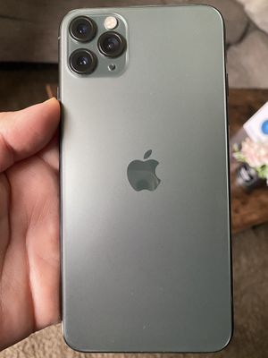 Midnight Green!Iphone 11Pro Max 64Gb Unlocked open to any carrier in very good condition Ready to Activate. Fully Paid Off.Clean imei. PRICE IS FIRM! for Sale in South Gate, CA