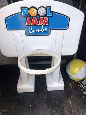 Pool basketball hoop for Sale in VLG WELLINGTN, FL