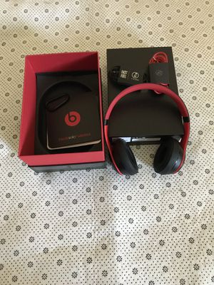 Beat Solo 3 wireless headphone for Sale in Kissimmee, FL