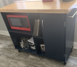 Microwave cart for sale with microwave both only 1 month old (barely used) for Sale in Pittsburgh, PA