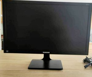 Samsung monitor 22inch lcd hi def - $60 for Sale in Sparks, NV