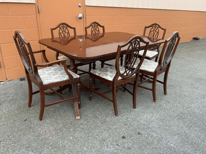 Nice Vintage Dining Table - Delivery Available for Sale in Tacoma, WA