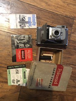 Old Poloroid camera for Sale in Zelienople,  PA