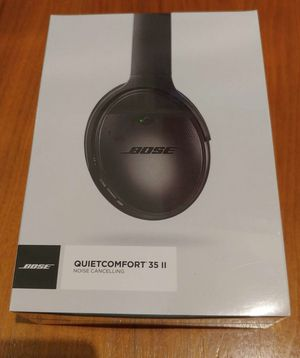 Bose QuietComfort 35 QC35 (series II) Noise Cancelling Bluetooth headphones for Sale in Silver Spring, MD