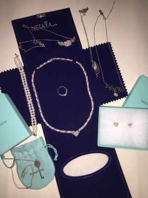 HUGE lot of jewelry for Sale in Chicago, IL