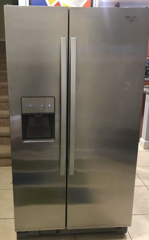 Whirlpool Refrigerator (Stainless Steel) for Sale in Fort Lauderdale, FL