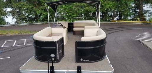 2016 Pontoon Boat for Sale in Gervais,  OR