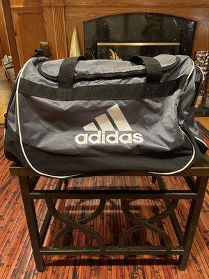 Adidas duffel bag for Sale in Berwyn, IL