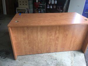Costco Desk 60x29x30 for Sale in Rockville, MD