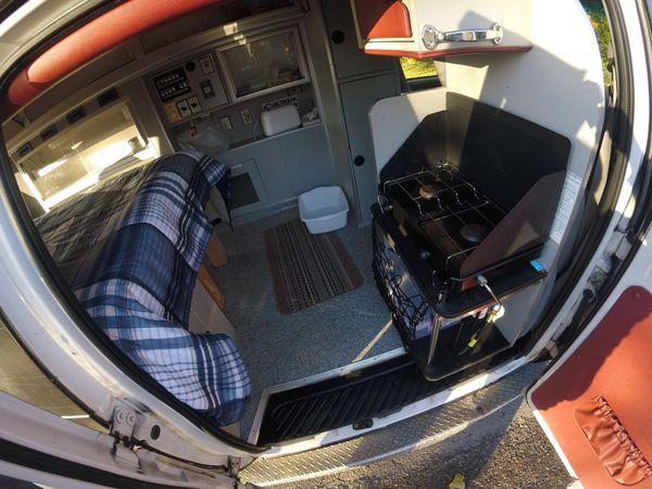 Camper Van Ford E350