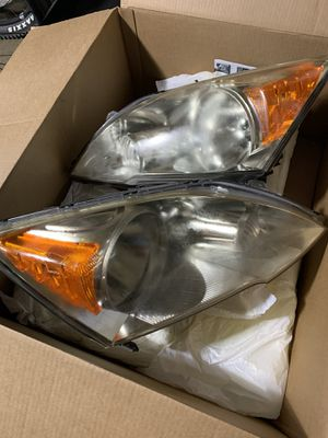 Honda CRV OEM headlights for Sale in Chula Vista, CA
