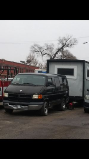 2002 dodge van for Sale in Chicago, IL