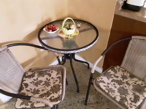 Outdoor table chairs for Sale in Belle Isle, FL