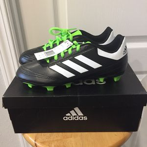 BRAND NEW BOYS ADIDAS SOCCERS SHOES! Size 5 for Sale in Woodburn, OR