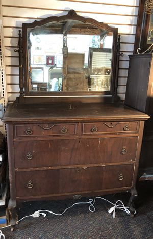 Antique Wood Dresser with Mirror & Wheels for Sale in Los Angeles, CA