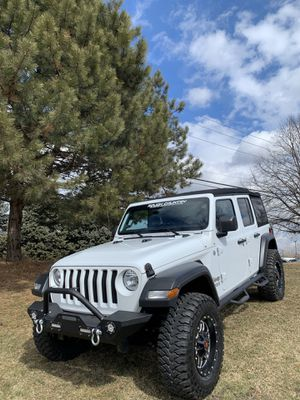 "2018 Jeep JL Wrangler 4x4 Sport S 16k miles like new 3"" lift 35s bumpers and steps Nfab for Sale in Joliet, IL"