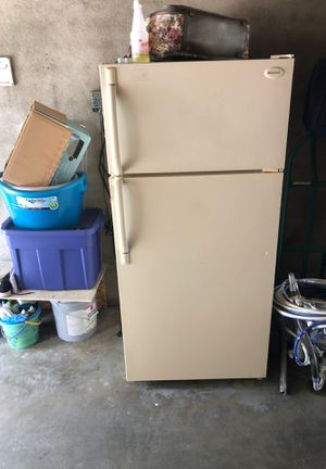 Free Refrigerator for Sale in Fresno, CA