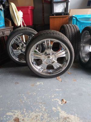 20in rims 5 lug universal for Sale in South Bend, IN