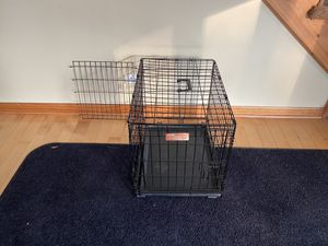 Small wire Dog Crate for Sale in Chicago, IL
