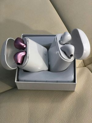 Brand new bluetooth wireless earphones airpods earbuds built in microphone with portable charging case for Sale in Davie, FL