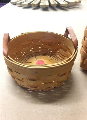 Small longaberger basket for Sale in Lynnwood, WA
