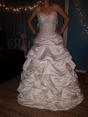 MAGICAL DRESS (wedding / ball/formal/costume) for Sale in Spring Valley, CA
